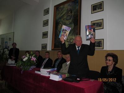 AIG2012_12