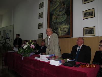 AIG2012_15