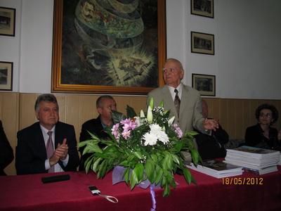 AIG2012_19